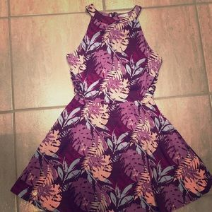 BNWT women Junior ~ size S skater dress.